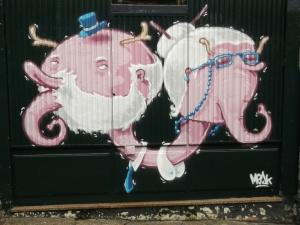 casal de idoso graffiti